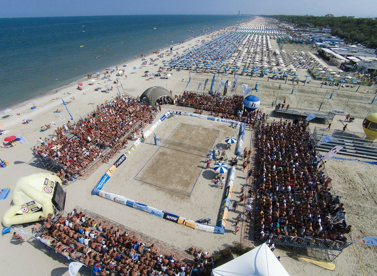 Turismo a cervia il campionato mondiale di beach tennis for Bagno 3 stelle pinarella
