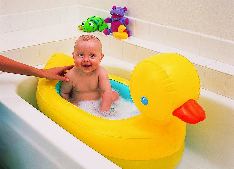 Munchkin Baby Duck Tub Review - Travel, Photography, Motherhood