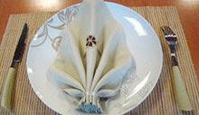فن تزيين مناديل المائدة : طريقة سهلة وبسيطة لطي مناديل المائدة
