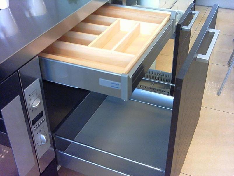 Cajones y sistemas extra bles que hacen m s c moda la - Cajones para cocinas ...