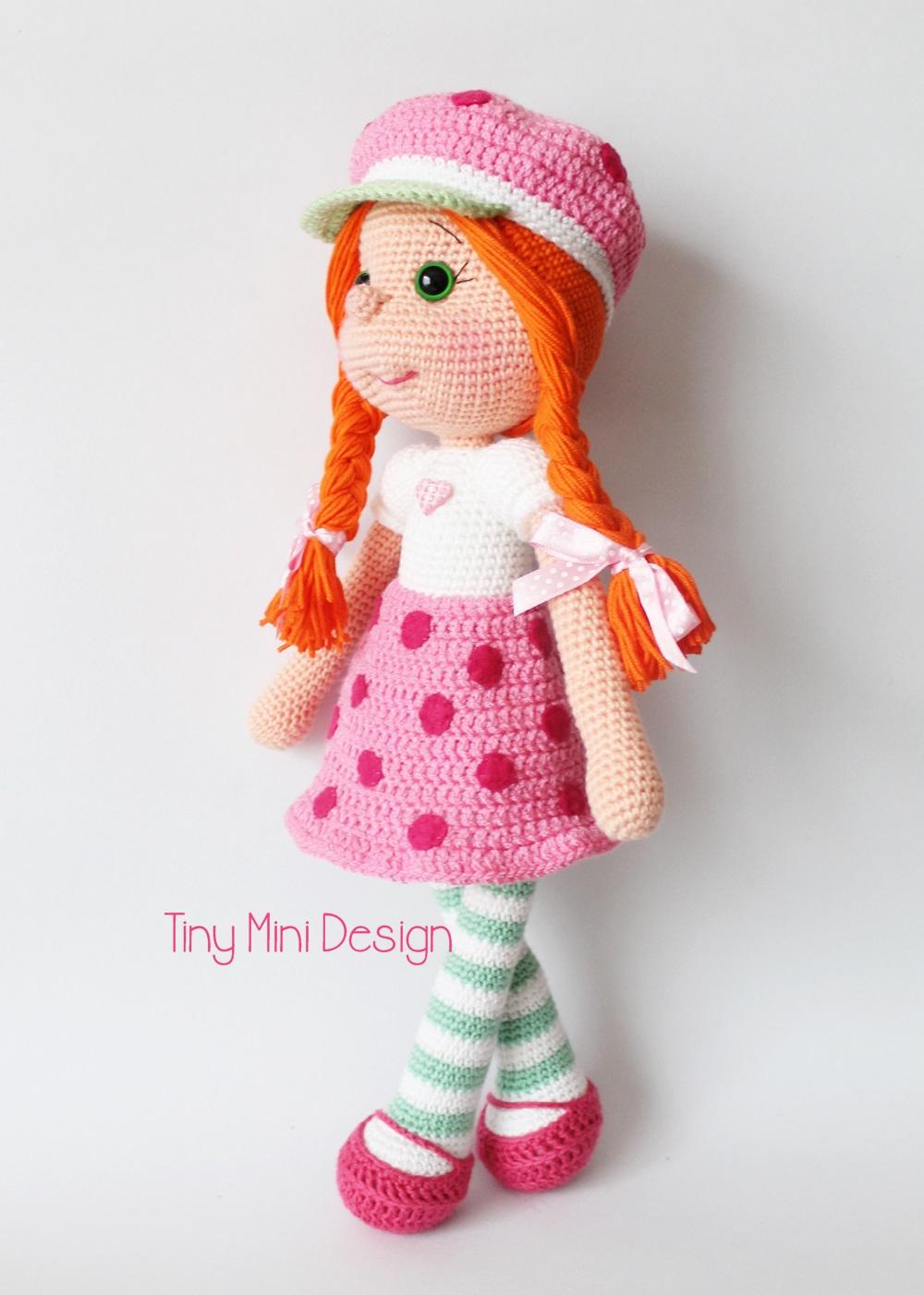 Amigurumi Strawberry Doll Pattern : cilek K?z Kost?ml? Bebek-Amigurumi Strawberry Girl Costume ...