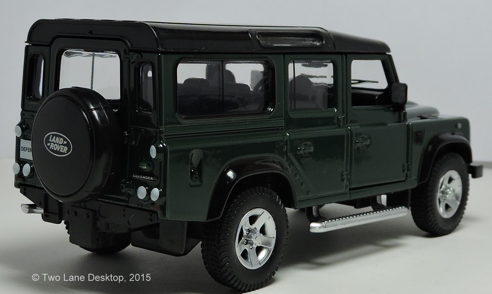 Two Lane Desktop: RMZ City 1:40 and Matchbox 1:64 Land Rover ...