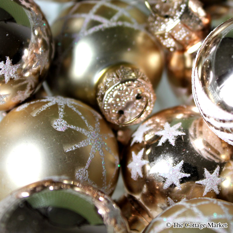 Dollar store decorating mini christmas ball earrings the cottage i thought to myselfthis might be tooooooo easy to even do a diy on nonot too easyjust funinexpensive and festive who wants to spend even 5 solutioingenieria Choice Image