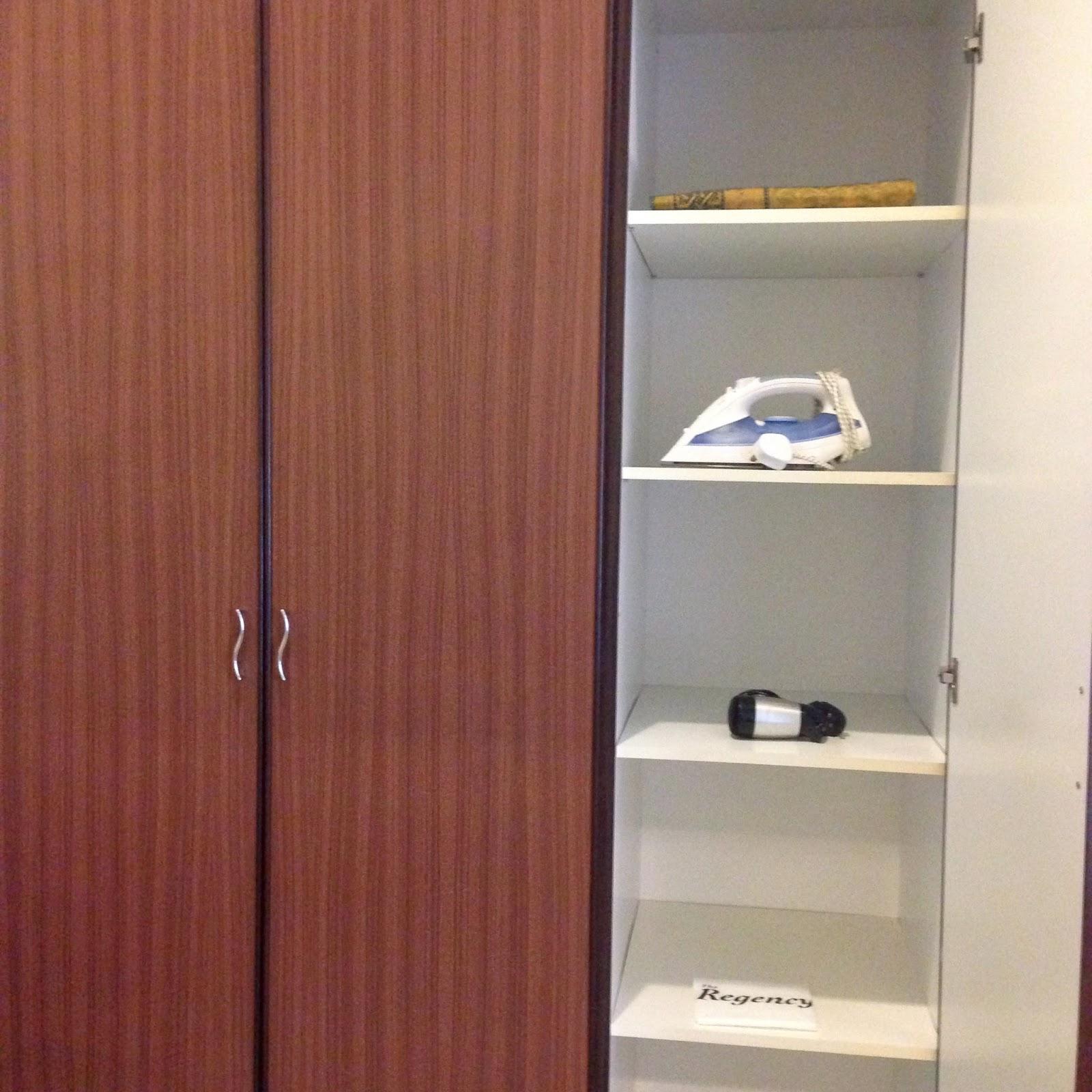 Regency Seri Warisan - prayer mat, iron, hairdryer