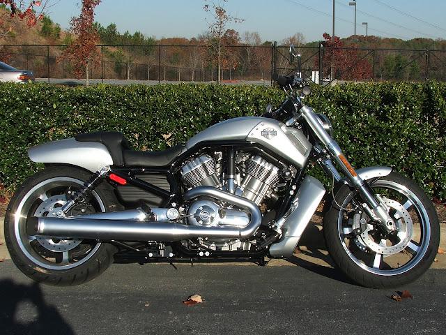 hd VRSCF V-Rod Muscle 2009 1.jpg