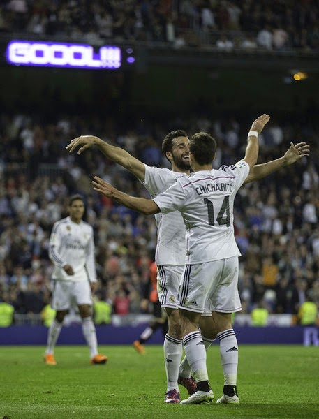 Cr nica jornada 34 real madrid 3 almer a 0 blog del for Puerta 44 bernabeu