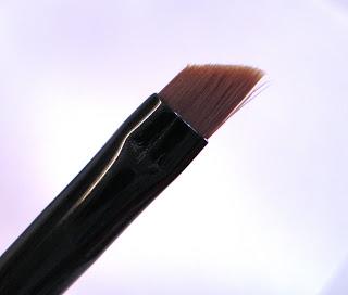 GOSH - Eyeliner Brush Slanted.