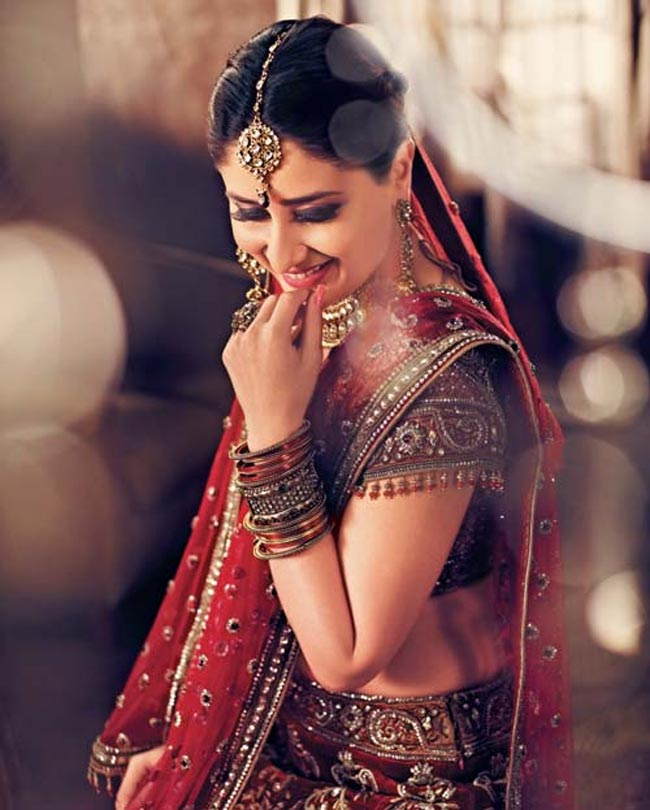 Kareena kapoor bridal dress ad -  Kareena kapoor Gitanjali jewelers ad