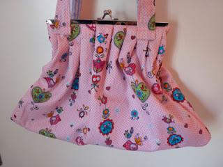 bolso de tela estampado rosa