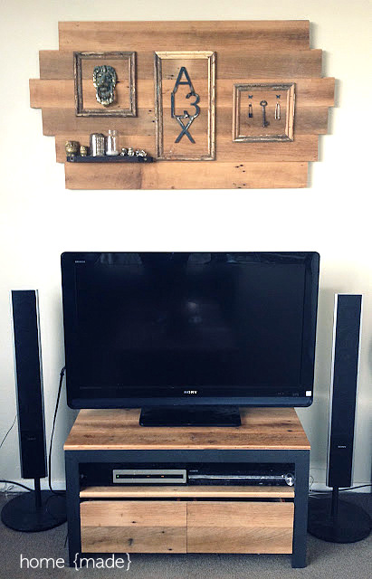 Rustic living room enhanced with reclaimed lumber - Home Made via I Love That Junk