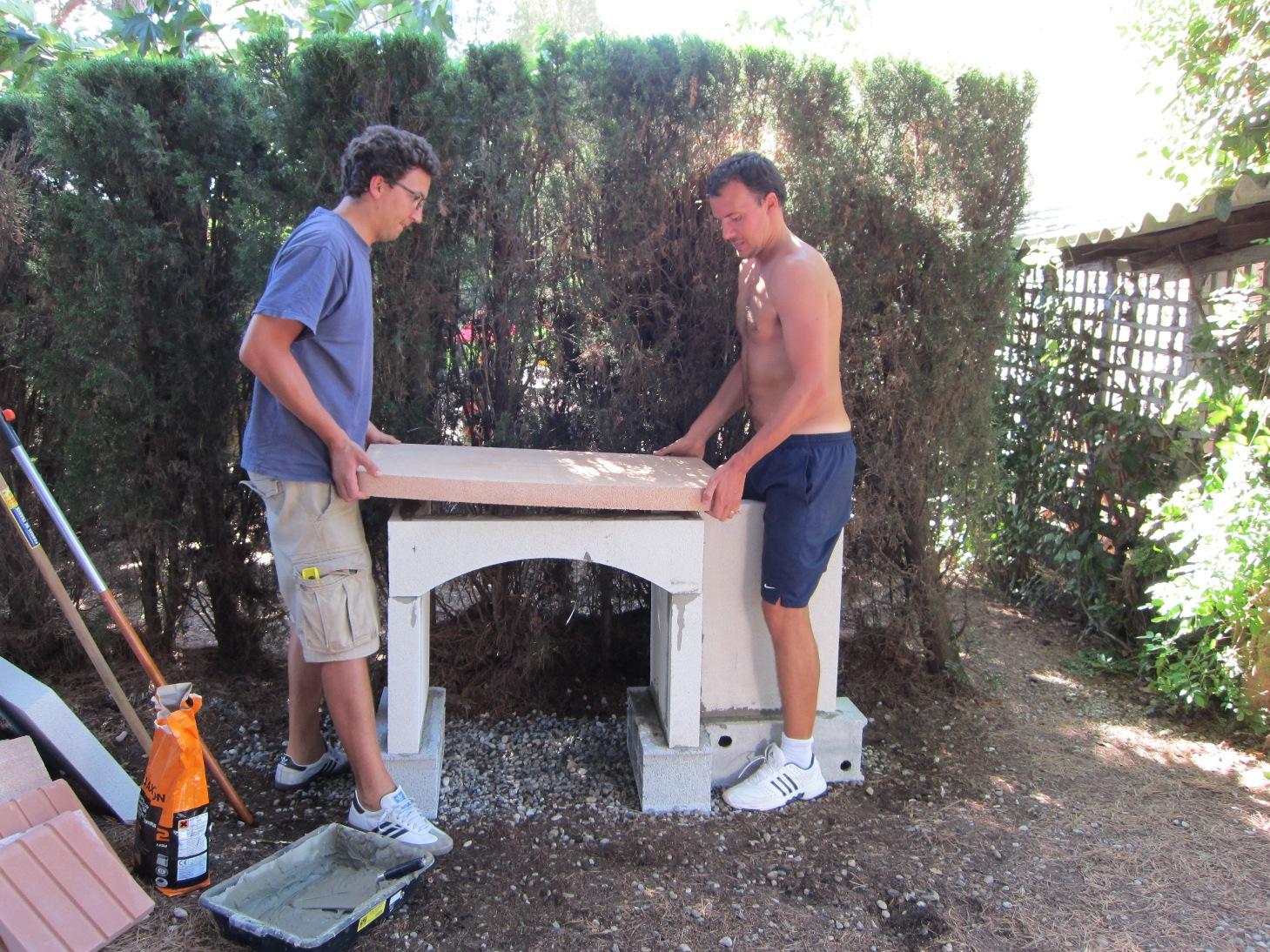 Pin construire un barbecue en pierre on pinterest - Construire barbecue en pierre ...