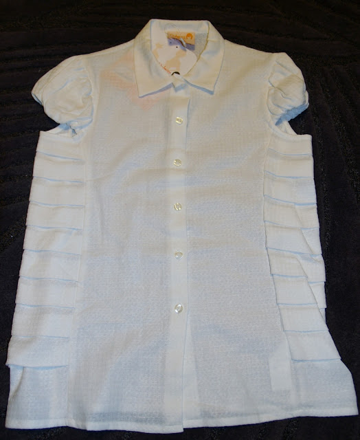 camisa blanca Dolores Promesas manga farol