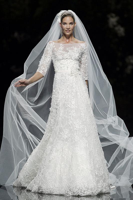 Wedding dresses by elie saab l latest wedding dresses 2013 for Wedding dress pictures 2013