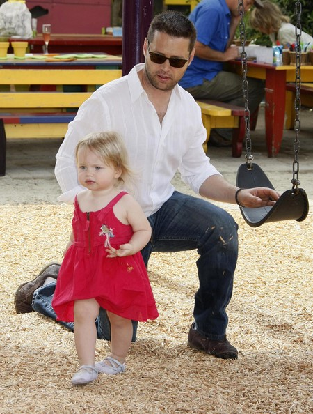Naomi Lowde and Jason Priestley's beby Ava
