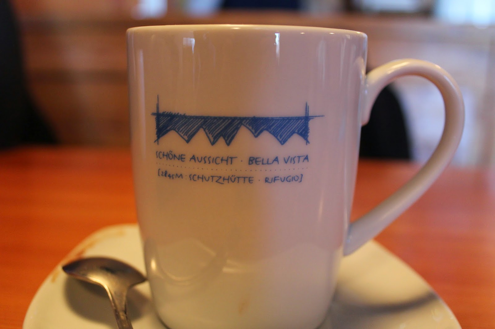 bella vista,biały kubek do kawy herbaty,gorąca czekolada,hot chocolate maso corto