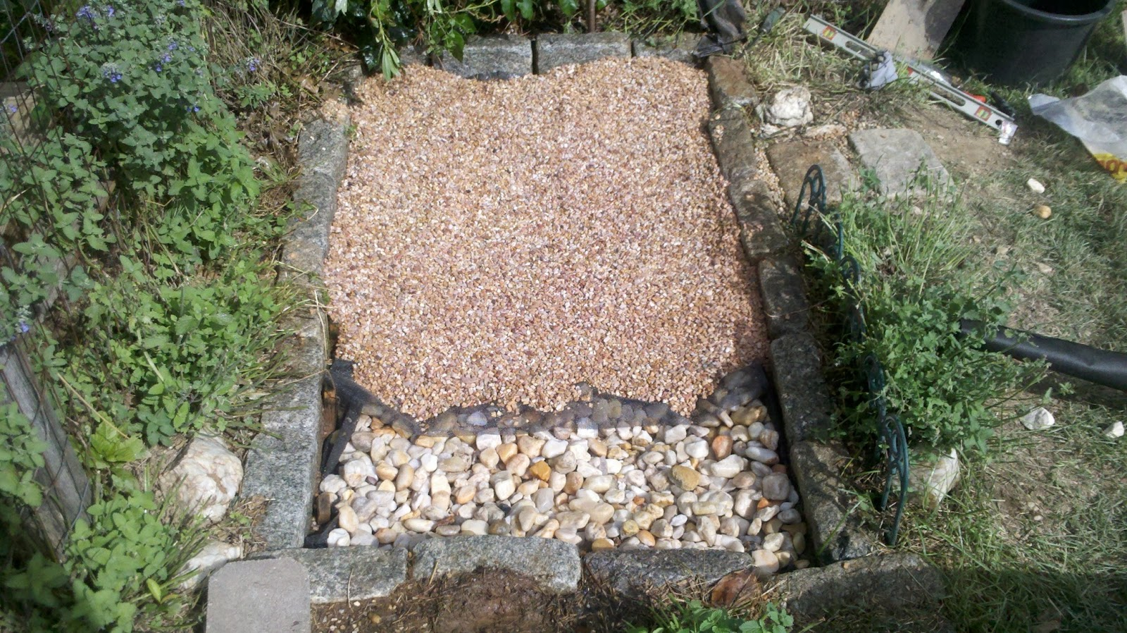 Pea Gravel Backyard For Dogs : Pea Gravel with mesh coving river rock