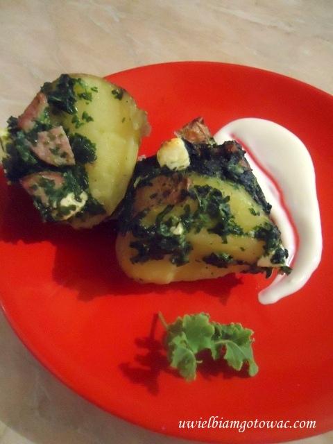 Ziemniaki faszerowane szpinakiem i fetą