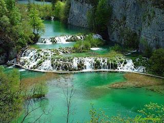 Foto-Danau-Indah-Plitvice-Lakes_5