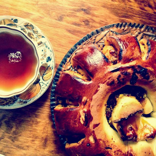 Vintage pie and tea