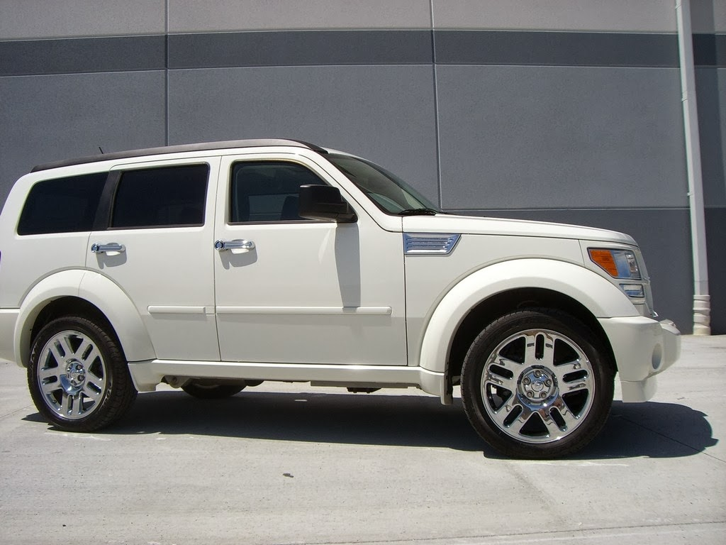 dodge nitro pictures 535 prices features wallpapers. Black Bedroom Furniture Sets. Home Design Ideas