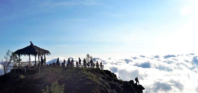 Wisatang Bukit Sikunirng
