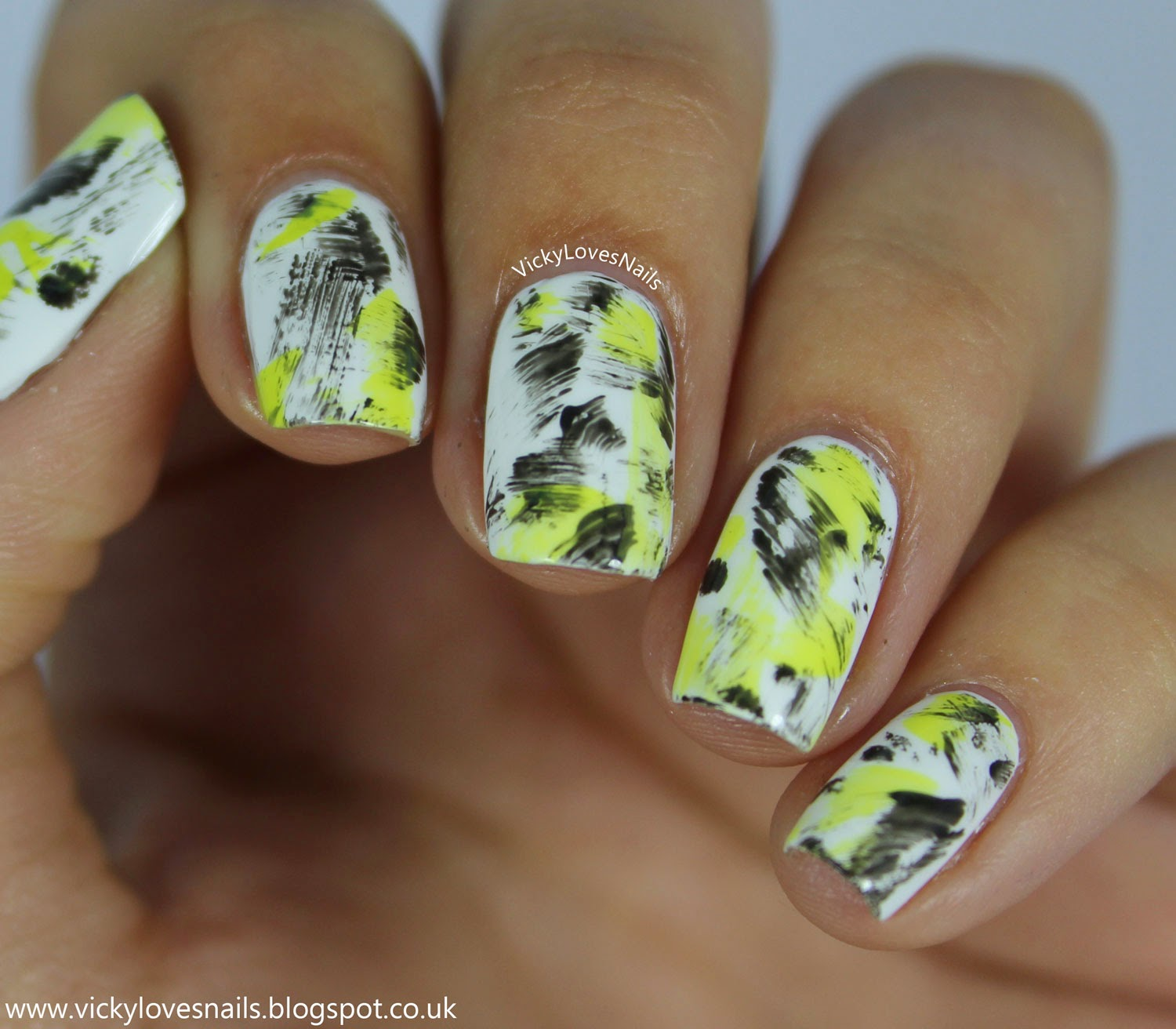 Vicky Loves Nails!: Fashion Inspired - Yellow, Black and White ...