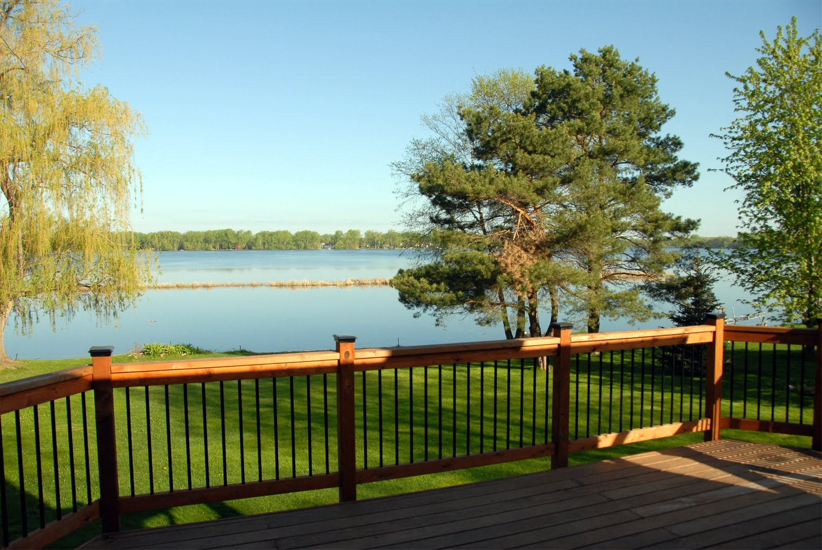 Minnesota lakeshore dreams come true lake homes are for Inexpensive lakefront property