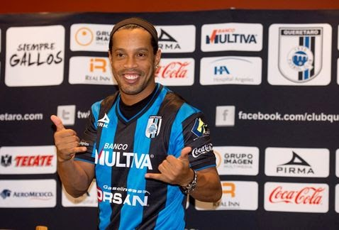 Ronaldinho se estrena de nuevo