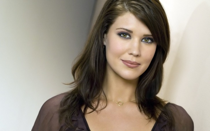 Witches of East End - Season 2 - Sarah Lancaster to recur