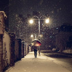 Deja que la lluvia,acaricie tus párpados♥