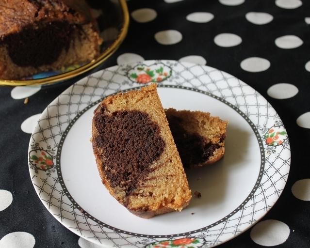 Eggless Marble Loaf Cake / Chocolate & Vanilla Loaf Cake