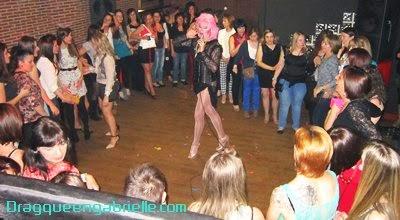 Show para despedida en Hoyo de Pinares con Drag queen