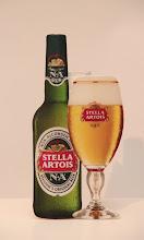 Birra analcolica e bicchiere