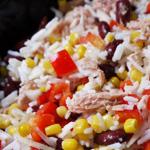 Salade de riz aux haricots rouges et au thon (voir la recette)