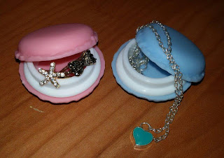 http://www.cndirect.com/new-lady-girl-cute-mini-macarons-box-candy-color-for-fashion-jewelry-earring-box-outing-storage-boxes.html?utm_source=blog&utm_medium=banner&utm_campaign=lendy417
