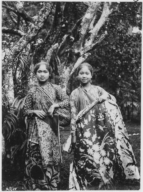 2 Javanese Girls