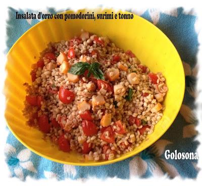 insalata d'orzo con pomodorini, surimi e tonno