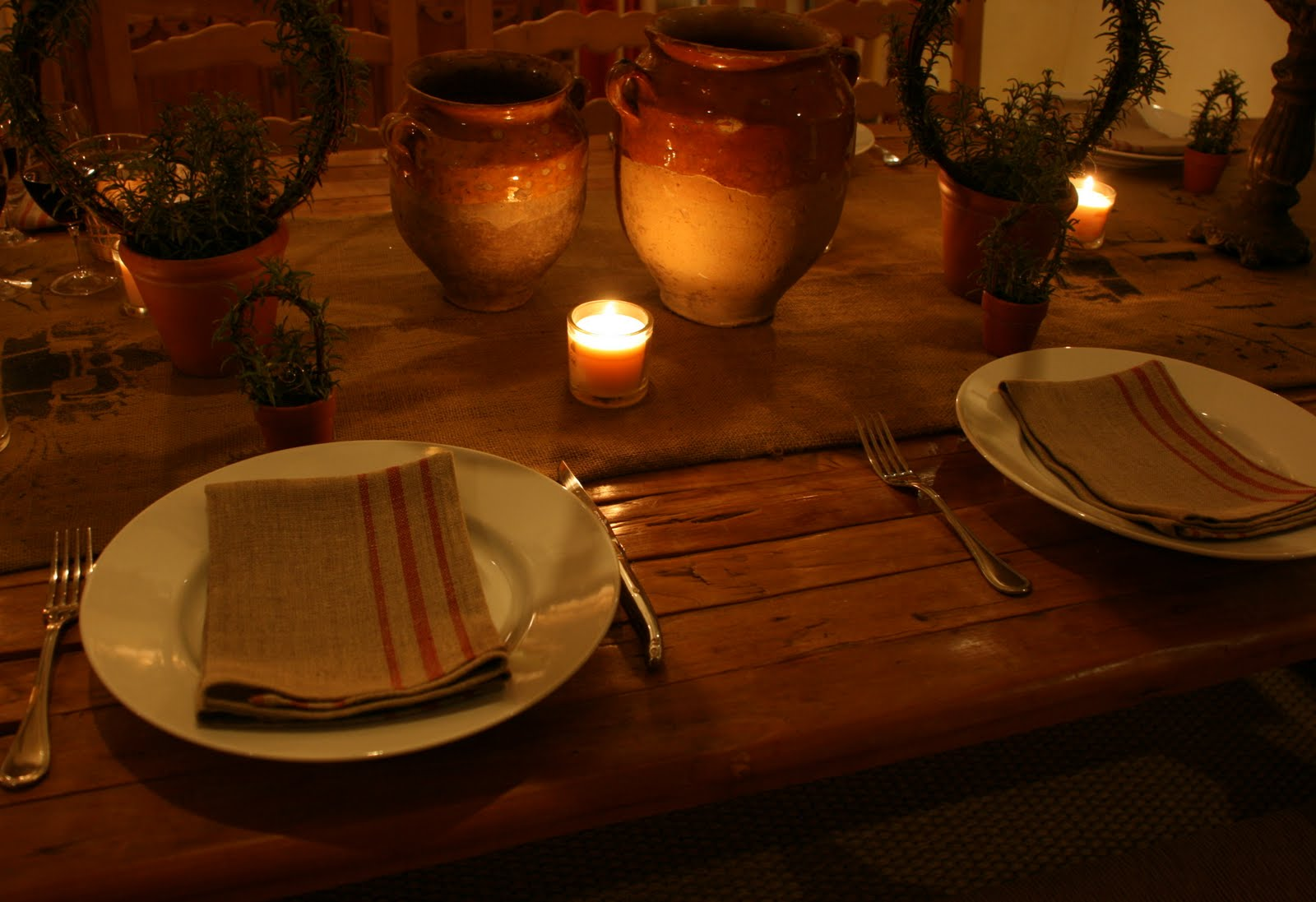 vignette design: A Simple Table Setting for A Wine Dinner in Asti