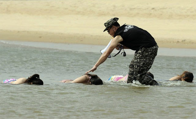 Latihan  Untuk Bodyguard Wanita Di China