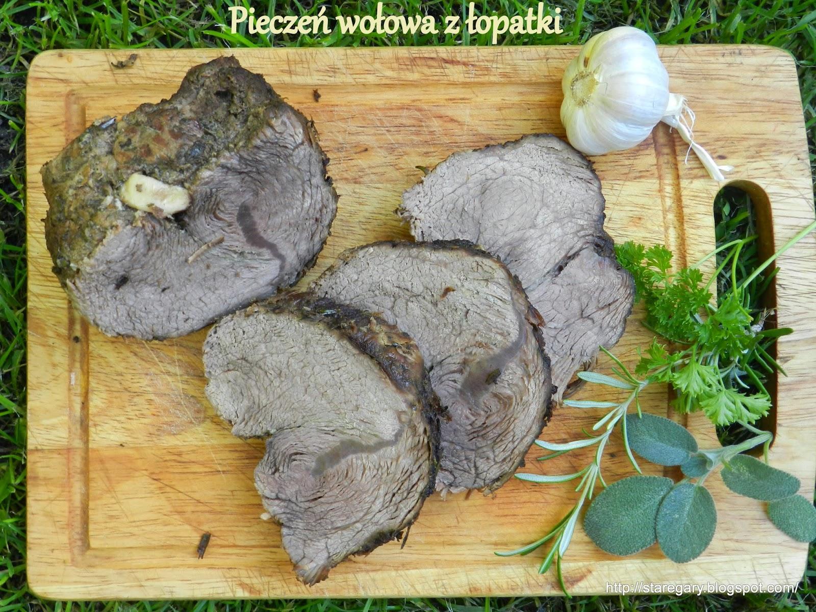 Pieczeń wołowa z łopatki w garnku rzymskim