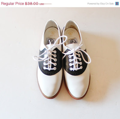 vintage black and white saddle shoes, Etsy, bluebutterflyvintage, retro style, vintage fashion