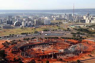 Foto do Estádio Nacional de Brasília em construção - Julho de 2011