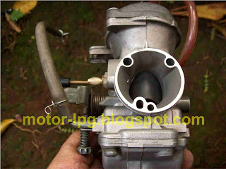 Gambar 2. Pemasangan naple masuk gas LPG pada karburator