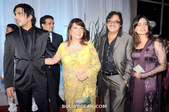 , Bollywood Families @ Esha Deols Wedding Reception