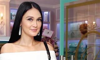 Kecantikan Luna Maya Memaki Exuviance Produk Skin Care Selebritis Hollywood