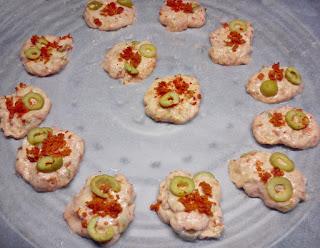 Galletas Veganas de Chorizo y Aceitunas