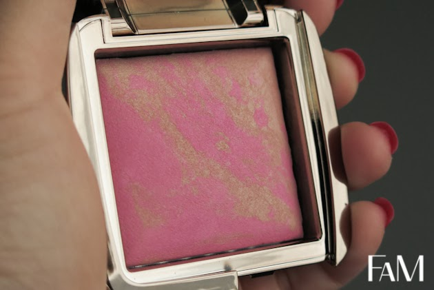 Hourglass Ambient lighting blush - Radiant Magenta Review, swatch and demo