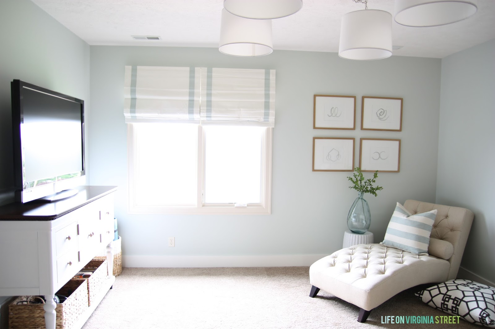 A year of change craft room makeover life on virginia for Craft room paint colors