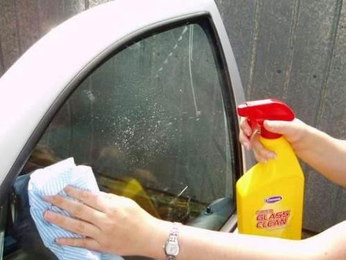 cairan pembersih mobil