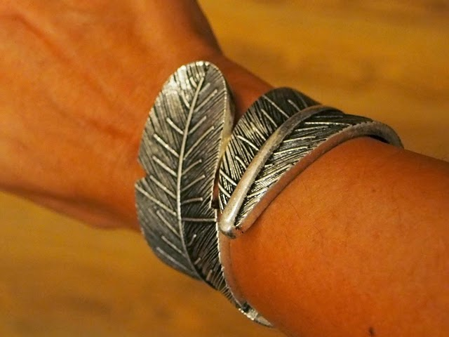 Mudd Feather Cuff bracelet